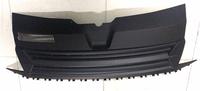 Решетка радиатора без эмблемы матовая VW T6