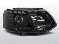 Фары передние с линзой и LED черные VW T5GP