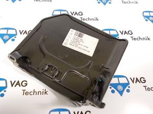 Крышка лючка топливного бака VW T4 (оригинал)