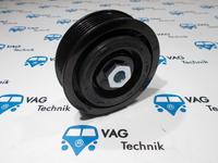 Шкив компрессора кондиционера VW T5 GP / VW Amarok 7E0820803F